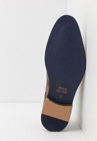 River Island - Elegantní šněrovací boty - dark brown - 4
