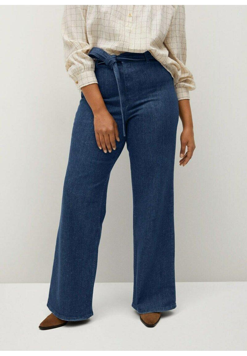 Violeta by Mango - CHRISTIE - Flared Jeans - blau