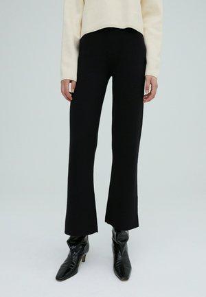 GENEVIEVE - Trousers - schwarz