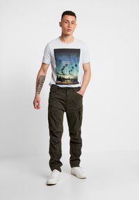 G-Star - ROXIC TAPERED FIT CARGO - Pantalones chinos - asfalt - 1