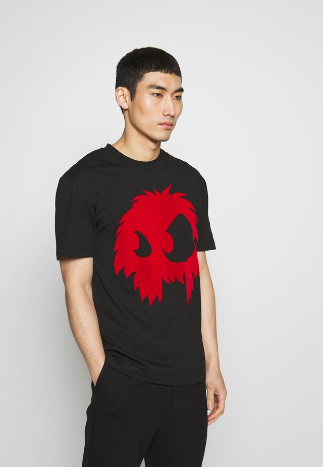 MONSTER DROPPED SHOULDER  - Print T-shirt - darkest black/rouge