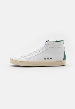 SKATE VEGAN UNISEX - Korkeavartiset tennarit - white/green