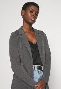 Vero Moda Tall - VMJILLNINA  - Blazer - dark grey melange - 3
