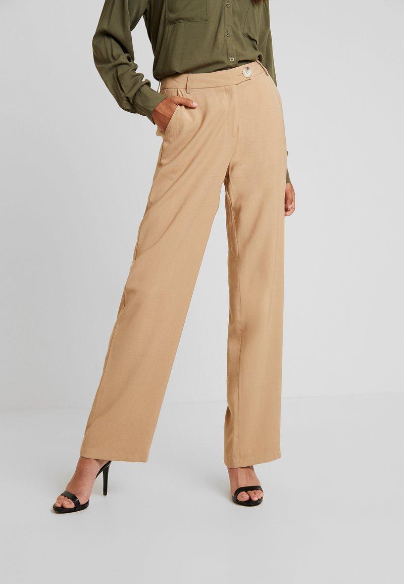 YAS - YASLAURA PANT - Trousers - caramel café