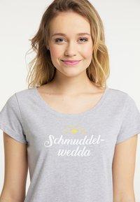 Schmuddelwedda - Print T-shirt - light gray melange - 3