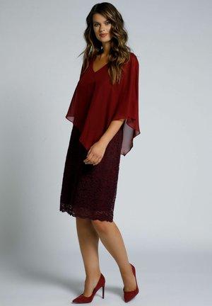 Cocktail dress / Party dress - rouge oriental