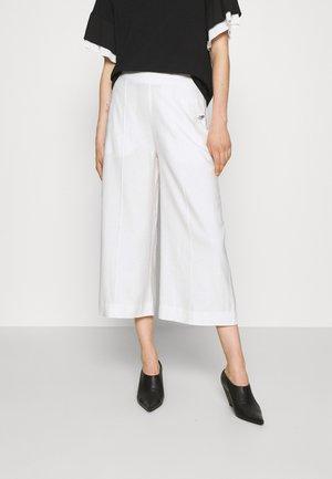 PRESLEY PANTS - Trousers - ecru