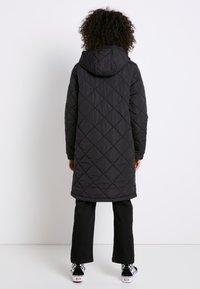 Vans - Płaszcz zimowy - black - 2