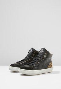 Shoesme - VULCAN - High-top trainers - black - 3