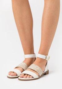 Liu Jo Jeans - ERIN  - Sandals - white/milk - 0