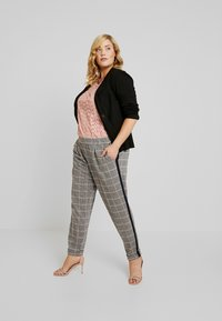 MY TRUE ME TOM TAILOR - Trousers - black/rose/grey - 2