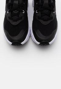 Nike Sportswear - REACT ART3MIS - Sneakers - black/white - 5