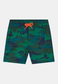 GAP - TODDLER BOY  - Swimming shorts - green - 0