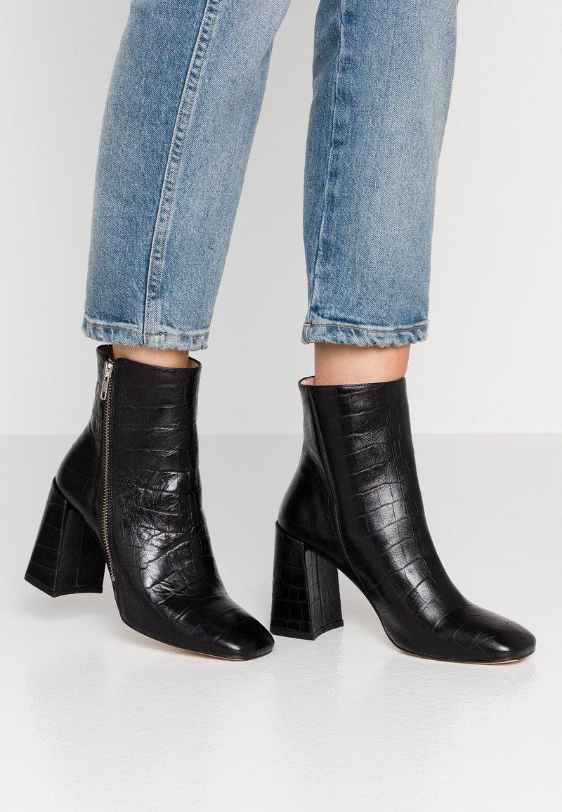 Jonak - VERSA - Højhælede støvletter - noir