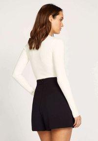 Kookai - Shorts - noir - 1