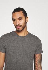 Burton Menswear London - SHORT SLEEVE CREW 7 PACK - T-shirt basic - black - 5