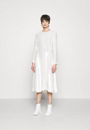 SEQUINED FLARE DRESS - Cocktail dress / Party dress - ivory