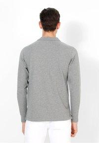 Scalpers - Polo shirt - grey melange - 2