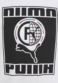 Puma - TEE - T-shirt con stampa - white - 2