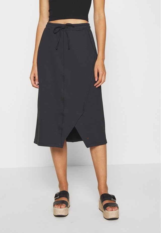 SELMA SKIRT - A-linjainen hame - pitch black