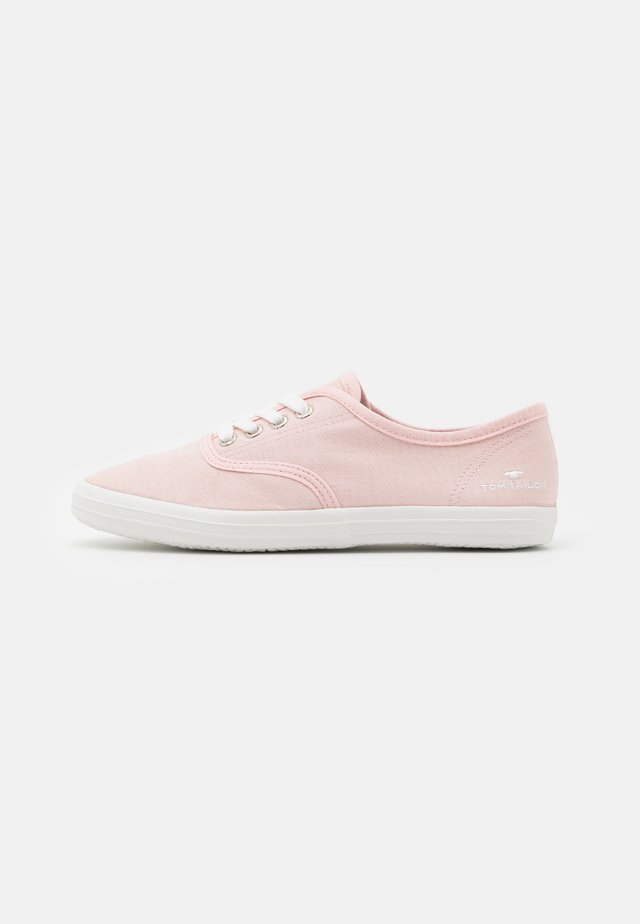 Sneakers laag - bright rose