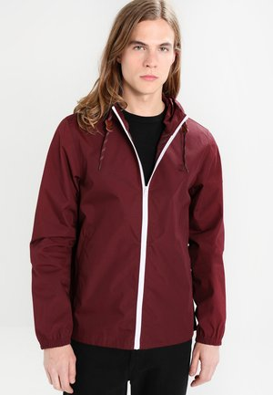 ALDER LIGHT - Summer jacket - napa red