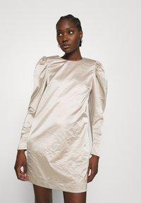 Cras - SPACECRAS DRESS - Sukienka koktajlowa - silver - 0