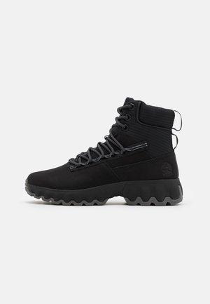 EDGE BOOT WP - Šněrovací kotníkové boty - black