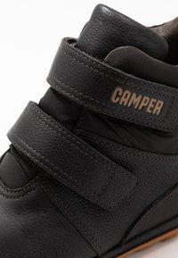 Camper - PEU PISTA KIDS - Zimní obuv - black - 2