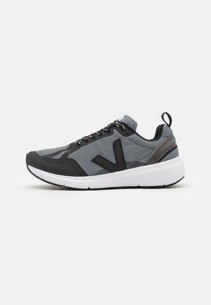 CONDOR 2 - Chaussures de running neutres - concrete/black