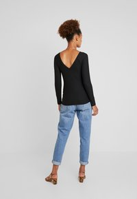 ONLY - ONLMOLLY V NECK - Long sleeved top - black - 2