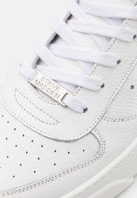 Steve Madden - BRENT - Sneakers laag - white - 5