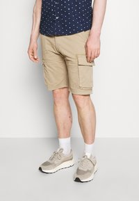 s.Oliver - CARGO - Shorts - brown - 0