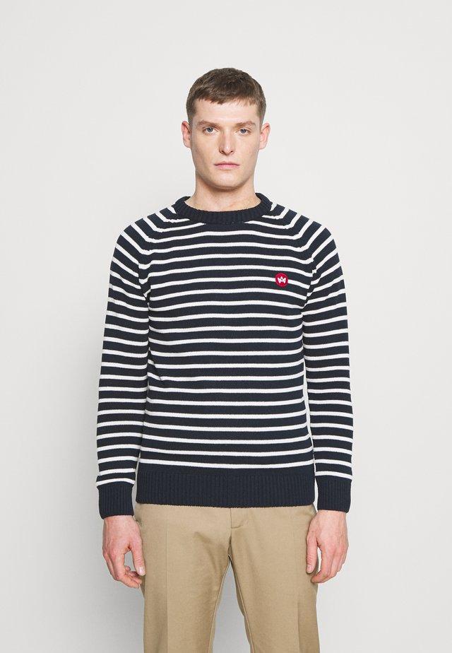 LIAM CREW STRIPE - Jersey de punto - navy/white
