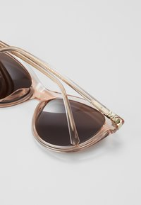 Michael Kors - Solbriller - transparent peach - 2