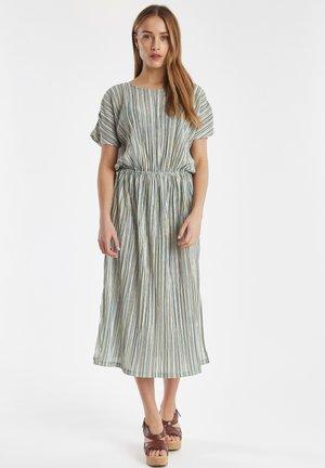 IHUNIQUE DR - Korte jurk - gleam