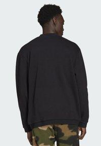 adidas Originals - SPRT ARCHIVE MIXED-MATERIAL CREW SWEATSHIRT - Sweatshirt - black - 1