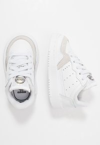 adidas Originals - SUPERCOURT - Trainers - footwear white/core black - 0