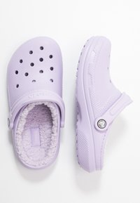 Crocs - CLASSIC LINED - Slippers - lavender - 3