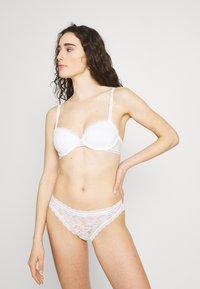 Calvin Klein Underwear - LIGHTLY LINED - Balconette-rintaliivit - white - 1