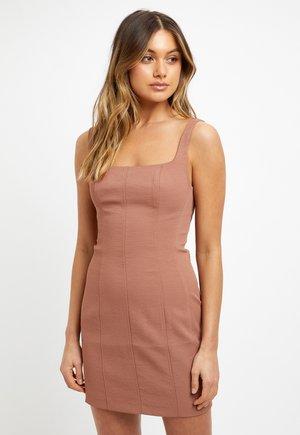 ROBE MINI CALVI - Shift dress - r coco/coco