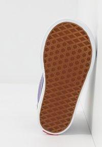 Vans - THE SIMPSONS SK8 ZIP - Sneakers alte - purple - 4
