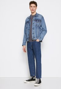 Levi's® - 551Z STRAIGHT CROP - Relaxed fit jeans - get around - 2
