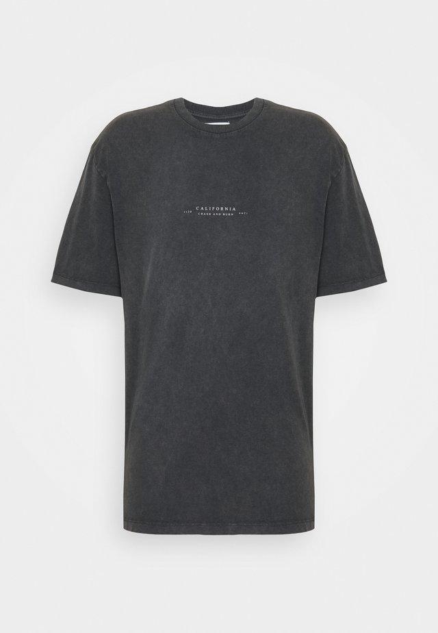 BIRD ON FIRE WASH PRINT  - T-shirt con stampa - black