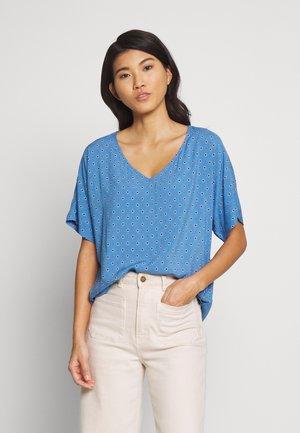 Blouse - bright blue