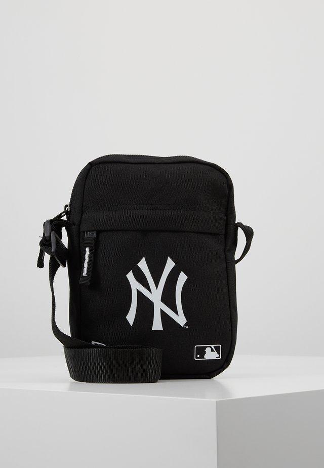 MLB SIDE BAG - Bandolera - black