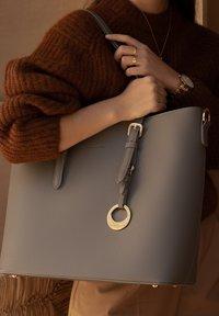 Violet Hamden - Handbag - grau - 1