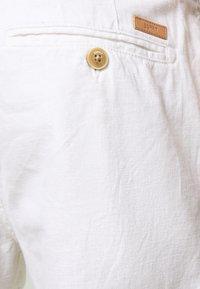 Esprit - BASIC - Shorts - white - 4