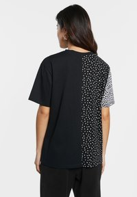 Desigual - Print T-shirt - black - 2