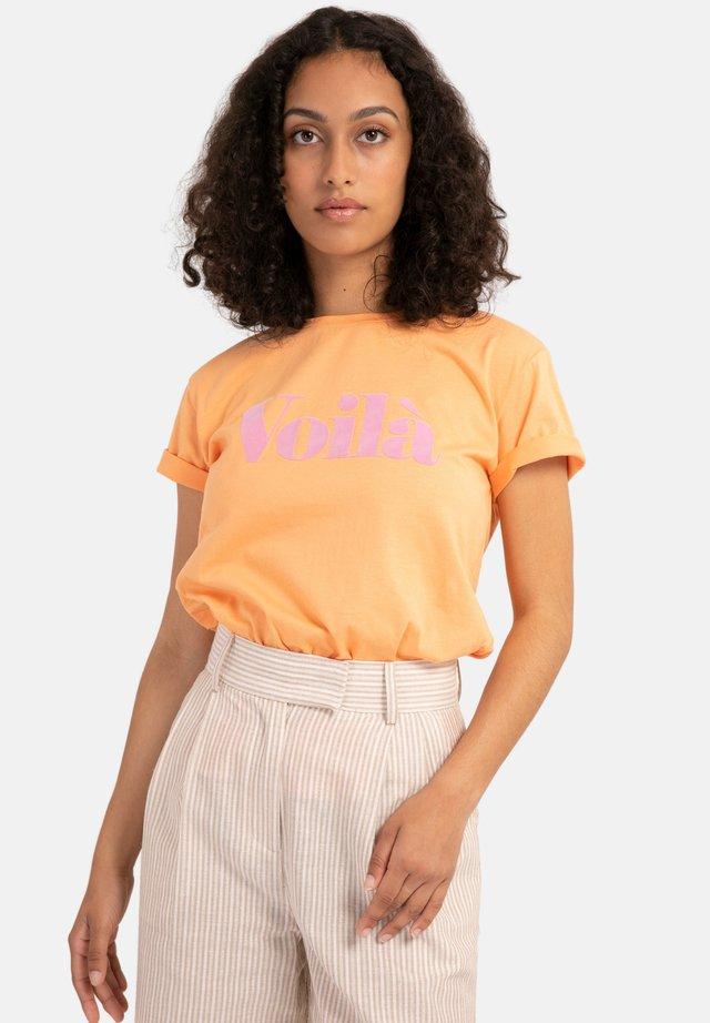 CHERVIS - T-shirt con stampa - orange